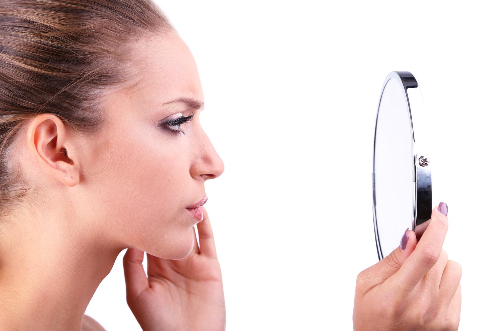 Sei un adulto e soffri di acne? Scopri il perché