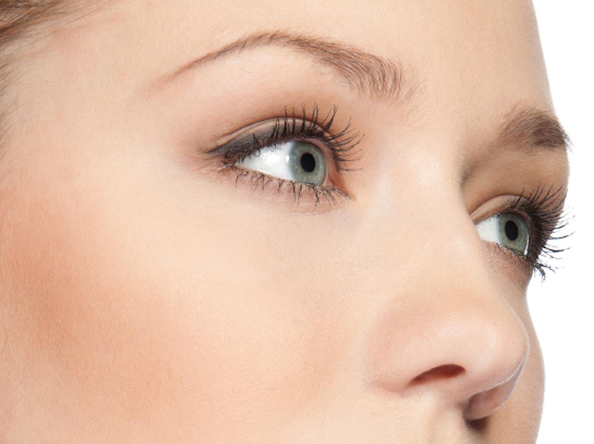 La blefaroplastica per riparare l'indebolimento della pelle degli occhi