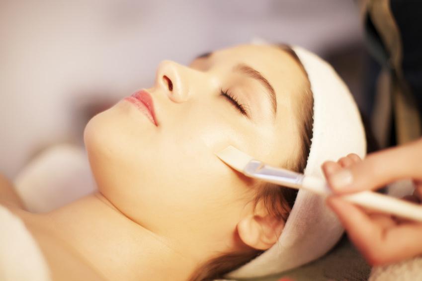 Peeling acido glicolico: esfoliare per una pelle nuova