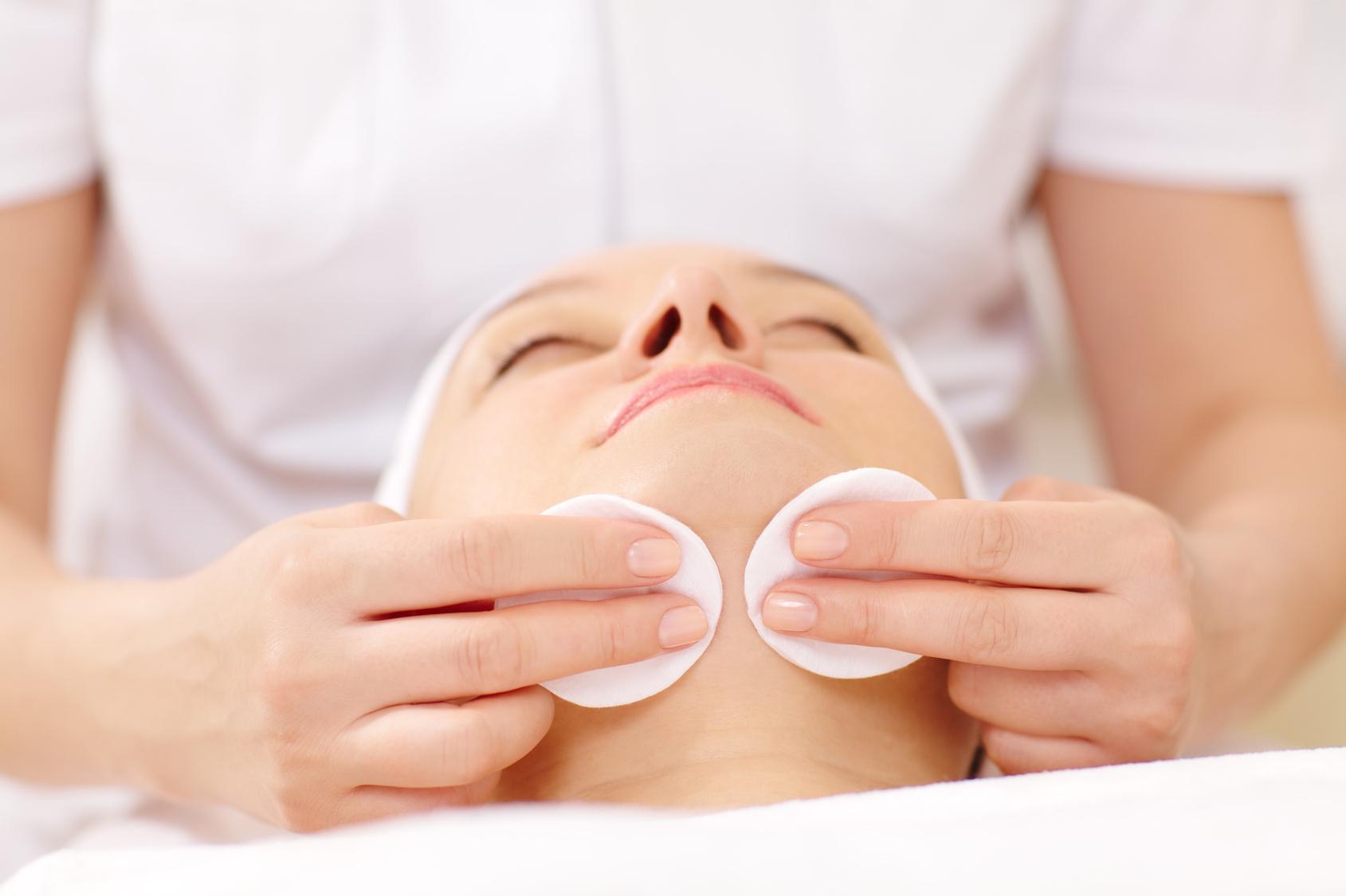 Peeling acido mandelico azione esfoliante per le pelli più sensibili