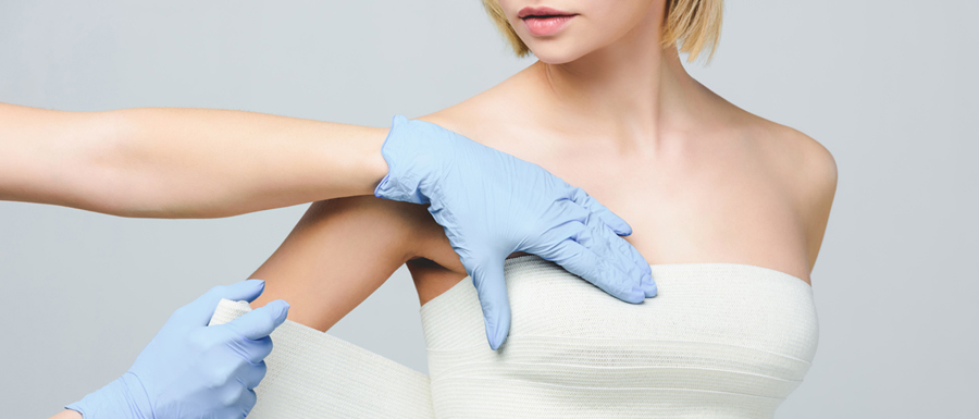 Salute della donna con protesi mammaria: i nuovi impegni della FDA