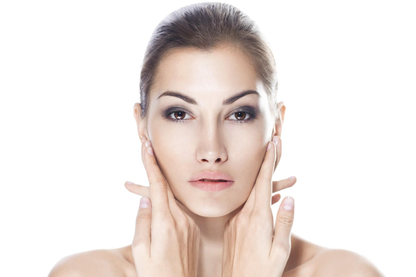 Come ringiovanire il viso con metodi chirurgici e non…