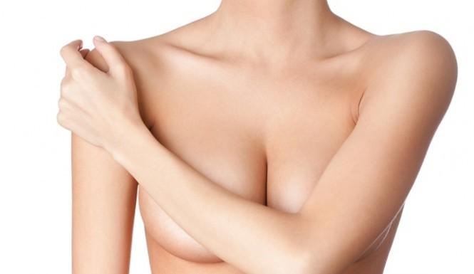 Seno cadente, la chirurgia per sollevare il seno