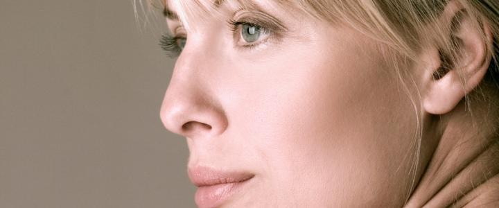 L'idrossiapatite di calcio per il ringiovanimento del viso