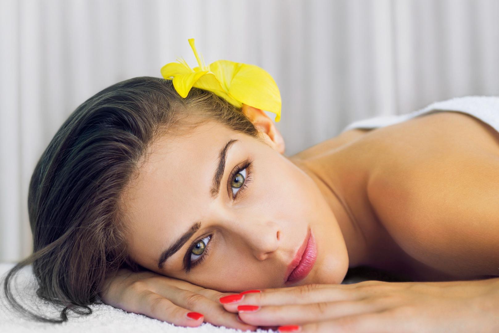 Come combattere le macchie scure e ritrovare la bellezza della propria pelle